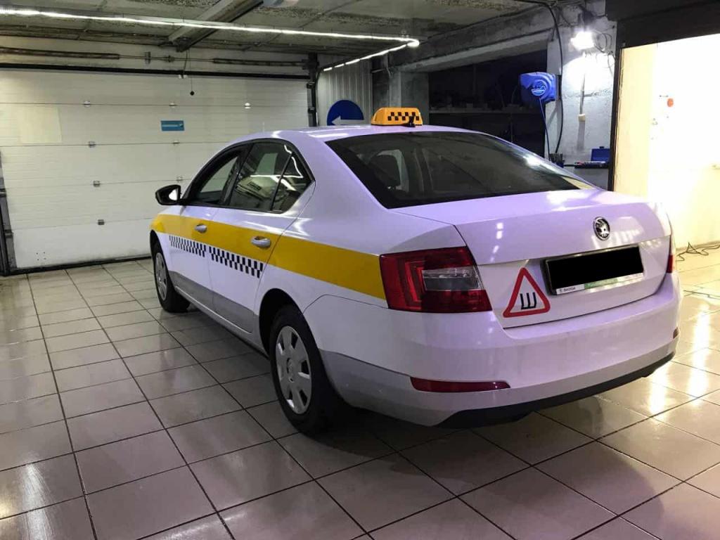 Полная оклейка Подмосковного такси по ГОСТ